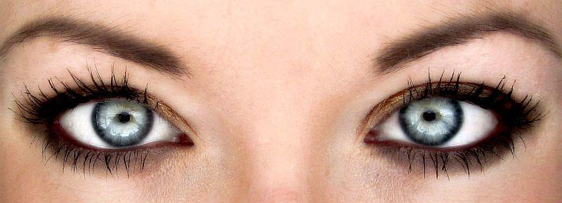 Как да се грижим за контактните лещи