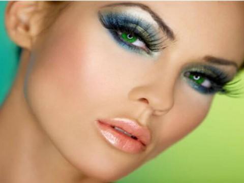 Цветни лещи популярни модели